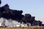 מפעלים פולטים דלקים.
