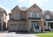 Wow! Showstopper In Stouffville~