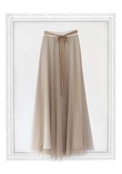 Cómo llevar una falda larga