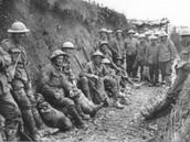 Soldaten in loopgraaf 2