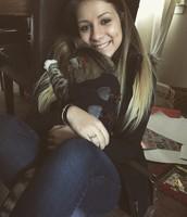 me gusta abrazar con mi gato
