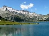 L'hiver et l'ete dans le  Midi Pyrenees