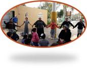 """בבית חינוך מוסיקלי אזורי ממ""""ד """"אור השרון"""" תנובות, בונים את שרשרת האחדות ."""