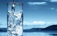 Debes beber agua.