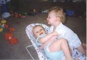 Yo luchaba con mi hermano.
