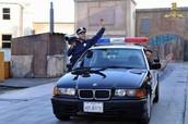 hacen muchas actua cirecto como la loca a cademia de policia ect