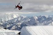 Free Skiing Slope Style