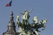 Grand Palais Statue
