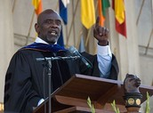 Chris Gardner speaks to an audience of thousands of people
