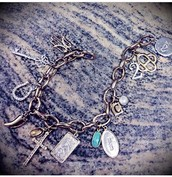 Charm Bracelet the perfect way to tell your story