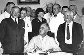 FDR SIGNING THE SSA