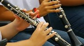 Properly holdinng the clarinet