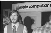 Jobs at a Apple store