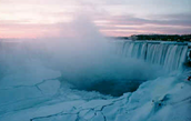 Does Niagara Falls freeze over?