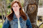 Laurie Halse Anderson and Overview of the book