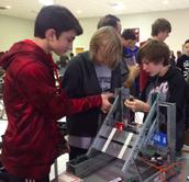JN Fries - Preparing robot for VEX EDR competition