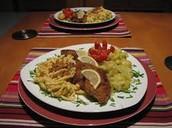 Wienerschnitzel mit Spätzle order Kartoffelsalat 18€