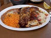 Enchilada (doscientos treinta 230)