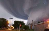 Crazy Tornado On House