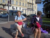 Two of my great friends on the park bench in Nice!