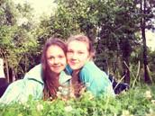 Це я зі своєю сестричкою Тонею