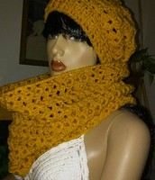 Gold beanie and cowl set