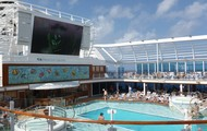 Caribbean Princess Pool Deck 1 of 4 pools