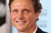 Tony Goldwyn Father of Bella