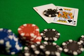 Finding the benefits of playing online poker games
