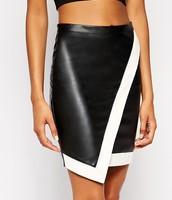 los la marca  Sheinside cuero negro y blanco de cuero falda. $20- veinte dólares