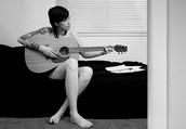 Tens una idea? Una cançó que t'agrada molt? Escriu tot el que et passi pel cap, des de títols de cançons, frases que t'agraden, temes, melodies que t'inspiren...