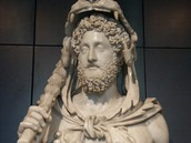 Who Commodus Dressed Liked and What He Did