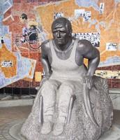 Statue of Rick Hansen