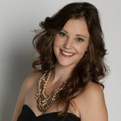 Kelsey Benson - Senior Stylist with Stella & Dot