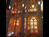 Experience the beauty of La Sagrada Familia