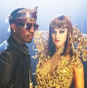Katy Perry (ft. Juicy J) - Dark Horse