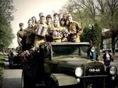 Мы помним, чтим... Ребята нашей школы в День Победы