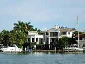 Tour of Miami + Boat ride.