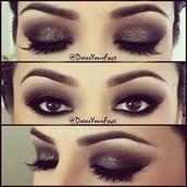 Aastha's makeup