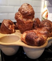 Huge Yorkshire Puddings or Giant Profiteroles!