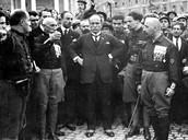 מוסוליני עם ראשי המפלגה הפשיסטית