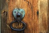 Toca nuevas puertas