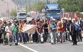 """""""משטרת ישראל עוצרת אוטובוסים מלאי נוסעים מלהגיע להפנגה אשר אושרה ע""""י המשטרה"""""""