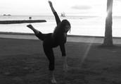 Shani Aduculesi / Roza Dance Company