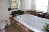 Jetted 6' tub Master Bath