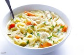 Chicken noodle soup/Sopa de fideos con pollo