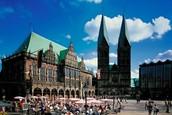 der Marktplatz mit St. Patri Dom