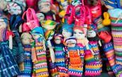 Muñecos que se venden en Guatemala