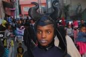 """Desfile de Carnaval pelo Bairro ao som do Grupo de Percussão """"Rola Samba"""""""