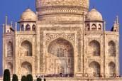 an up close photo of the Taj Mahal